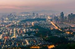 汉城市地平线,韩国日落  免版税库存照片