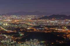 汉城市对汉城,韩国街市的地平线视图  图库摄影