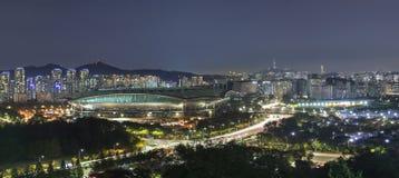 汉城市风景在夜和世界杯体育场里 库存照片