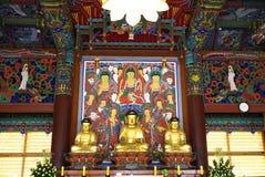 汉城,韩国- 2018年1月28日:在bongeunsa寺庙汉城韩国的金黄Budha 库存图片