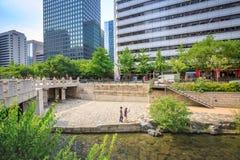 汉城,韩国- 2017年6月19日清溪川小河在汉城, Kore 库存图片