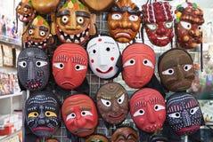 汉城,韩国- 2015年8月14日:韩国木面具在汉城, 2015年8月14日的韩国Insadong街道卖了  图库摄影