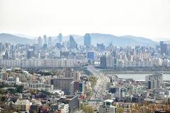 汉城,韩国- 2014年4月04日:Yongsan和Gangnam看法从 库存图片
