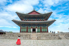 汉城,韩国- 7月17 :拍照片的游人 库存图片