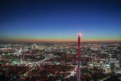汉城:现代都市城市在晚上 库存照片