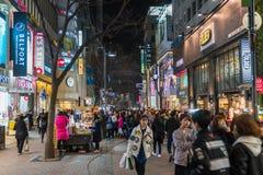 汉城-3月7日:Myeong东霓虹灯2016年3月7日在汉城, 免版税库存照片