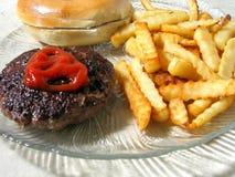 汉堡包盛肉盘 免版税库存照片