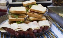 汉堡包 快餐 可口和被提炼的汉堡 一个经典汉堡包 开胃食物 汉堡包用油煎的肉,蕃茄, che 图库摄影