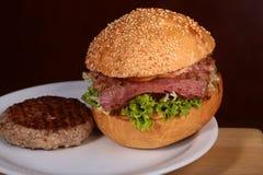 汉堡和炸肉排 库存照片
