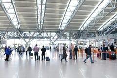 汉堡机场登记区域 库存照片