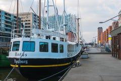 汉堡爱好音乐以河易北河为目的 免版税库存图片