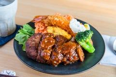 汉堡牛排板材日本人食物 库存图片