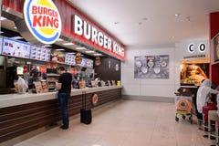 汉堡王餐馆内部 免版税库存图片