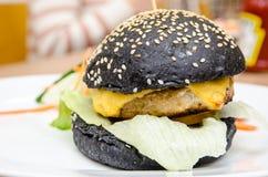 汉堡鸡快餐热鲜美 库存图片