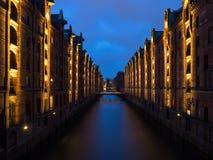 汉堡,德国历史的仓库区,在晚上 图库摄影