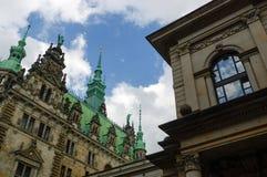汉堡,德国- 2015年7月18日:城镇厅的外视图 德国人Rathaus被修造了1897并且是位子政府 库存图片