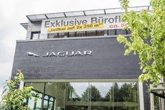 汉堡,德国- 2017年7月13日:捷豹汽车陆虎自动PLC是陆虎限制捷豹汽车的控股公司  免版税图库摄影