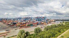 汉堡,德国- 2017年7月14日:高度自动化的集装箱码头在Altenwerder是一个最现代和 图库摄影