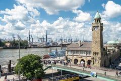 汉堡,德国- 2017年7月14日:St圣保利队码头,德语:St圣保利队Landungsbrucken,是一个汉堡` s少校 免版税库存图片