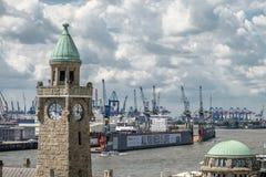 汉堡,德国- 2017年7月14日:St圣保利队码头,德语:St圣保利队Landungsbrucken,是一个汉堡` s少校 免版税库存照片
