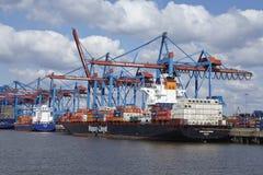 汉堡-在Burchardkai的集装箱船 免版税库存照片
