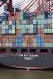 汉堡-在Eurokai的集装箱船 免版税库存照片