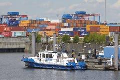汉堡Waltershof -河警的小船 免版税库存图片