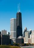 汉考克大厦和芝加哥地平线 免版税库存照片