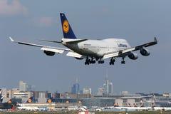 汉莎航空公司波音747-400法兰克福机场 免版税图库摄影