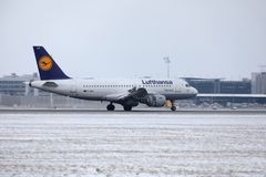 汉莎航空公司空中客车A319-100 D-AILA在慕尼黑机场 库存图片