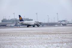 汉莎航空公司空中客车A319-100 D-AILA在慕尼黑机场 库存照片