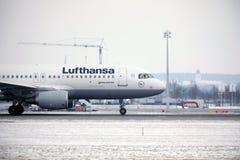 汉莎航空公司空中客车A319-100 D-AILA在慕尼黑机场 图库摄影