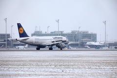 汉莎航空公司空中客车A319-100 D-AILD在慕尼黑机场MUC 库存图片