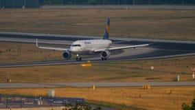 汉莎航空公司空客320乘出租车 股票录像