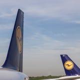 汉莎航空公司航空器在汉堡 库存图片