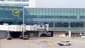 汉莎航空公司门在法兰克福 免版税库存照片
