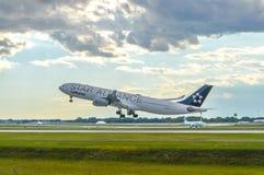 汉莎航空公司飞机  免版税库存图片