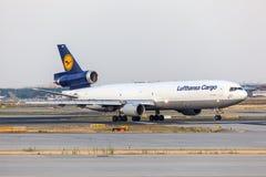 汉莎航空公司货物的麦克当诺道格拉斯公司MD-11货轮 库存照片