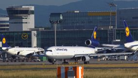 汉莎货运航空在离开前的麦克唐纳-道格拉斯公司MD-11 股票视频