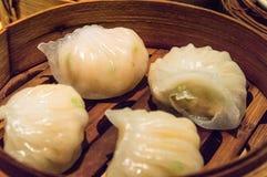 汉语Dimsum 'Hagao'在竹篮子 免版税库存图片