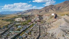 江孜县著名镇在西藏 图库摄影