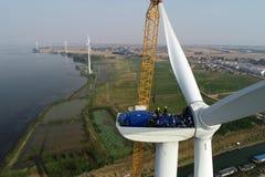 江苏hongze湖:从风hongze湖风力的电遇见第一检修 库存图片