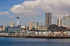 江边和地平线,西雅图,华盛顿 库存照片