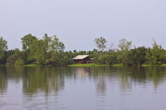 江边家在泰国 图库摄影