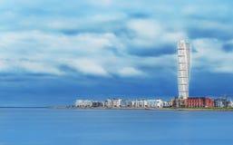 江边的摩天大楼在哥本哈根 免版税库存照片