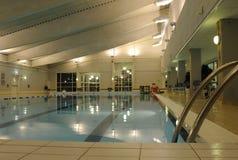 池公共游泳 库存照片