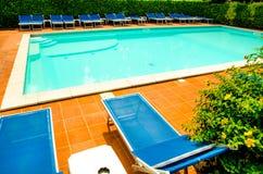 池在旅馆里 免版税库存照片
