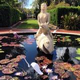 池塘雕塑 免版税库存图片
