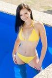 池游泳妇女 库存图片