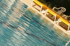 池游泳 免版税图库摄影